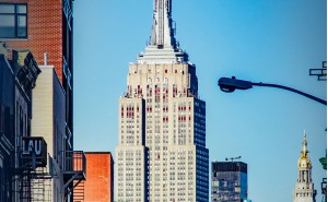 The rise and breakthrough of thermally insulated window profiles: The Empire State Building as catalyst